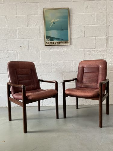 Pair of Danish Vintage Dyrlund Chair Leather and Rosewood